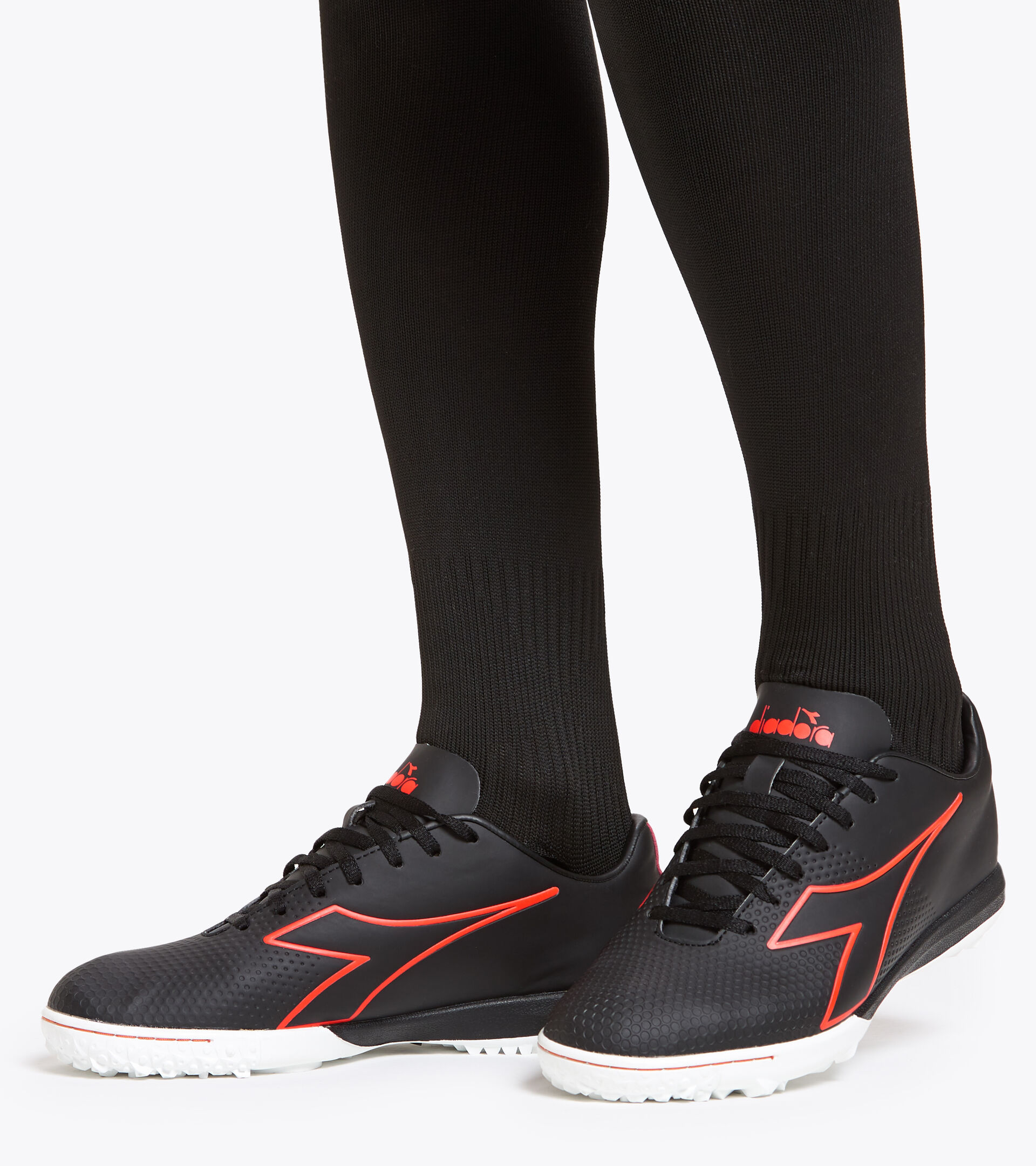 Footwear Sport UOMO PICHICHI 4 TFR NEGRO/ROJO FLUO/BLANCO Diadora