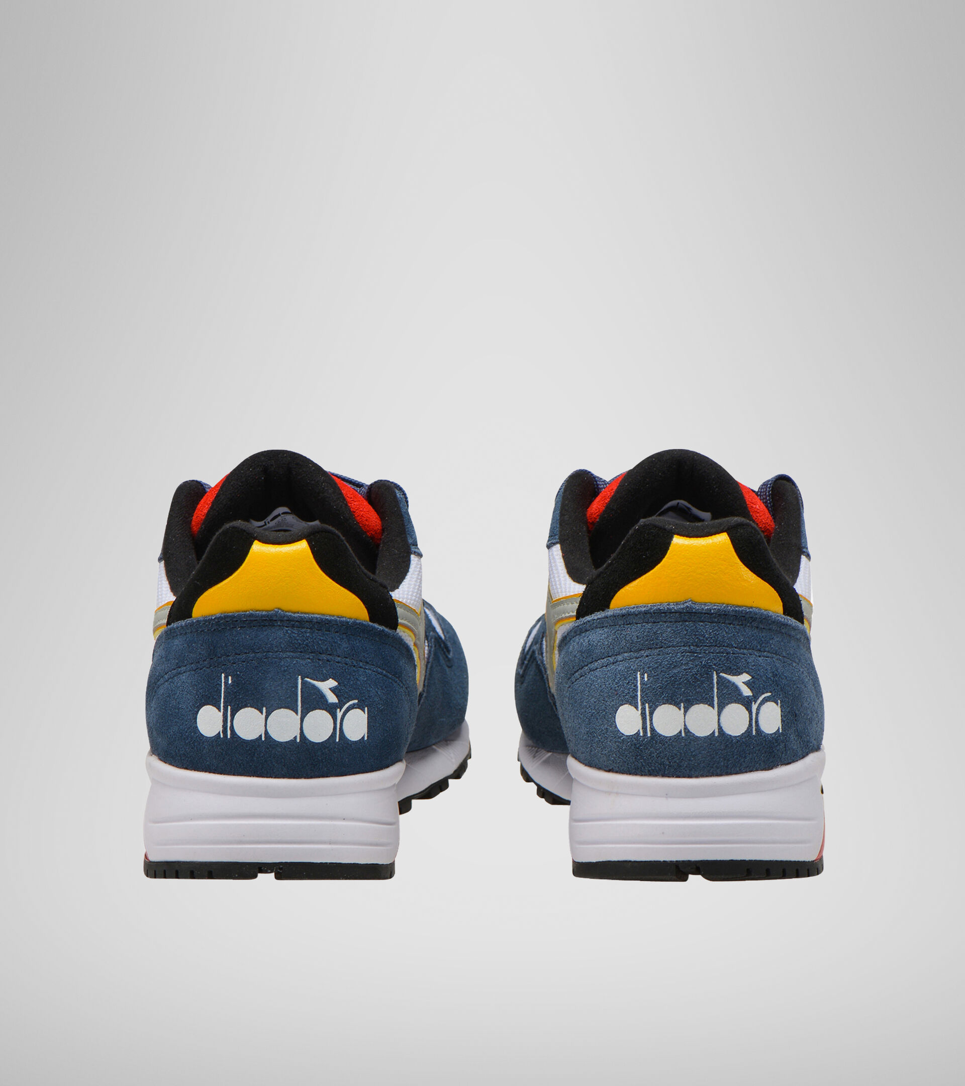 Footwear Sportswear UNISEX N902 S MEZCLILLA OSCR/BLCO/ROJO INTEN Diadora
