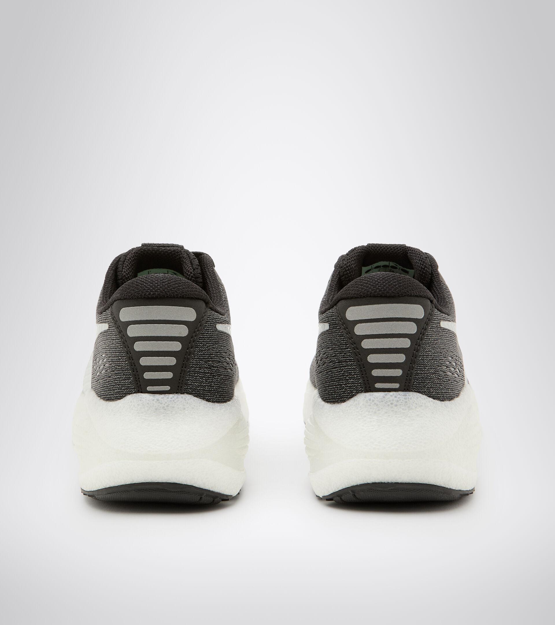 Footwear Sport DONNA FRECCIA W NERO/BIANCO Diadora