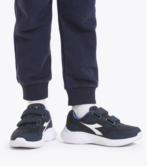 Footwear Sport BAMBINO ROBIN 2 JR V LIRIO NEGRO/AZUL FEDERAL/BLCO Diadora