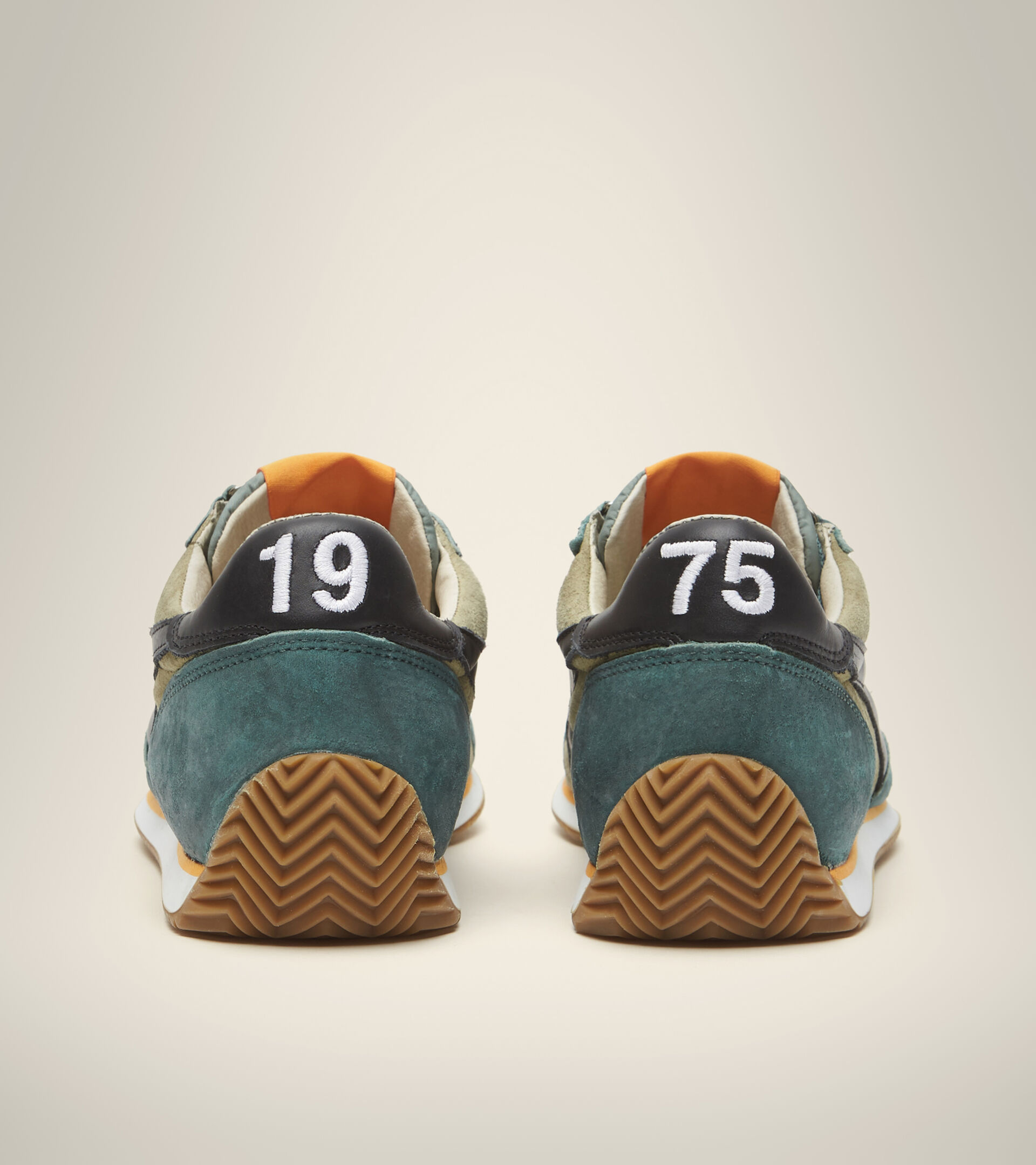 Footwear Heritage UNISEX EQUIPE SUEDE SW VERT HUILE Diadora