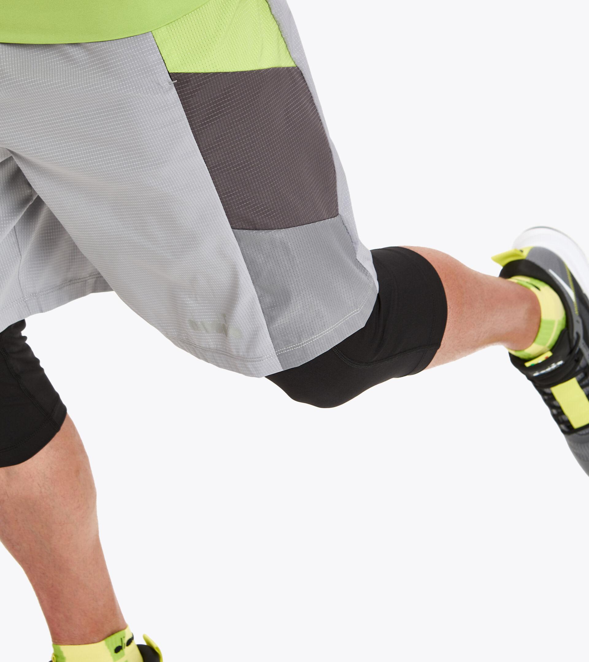 Lauf-Shorts - Herren POWER SHORTS BE ONE METALLLEGIERUNG - Diadora