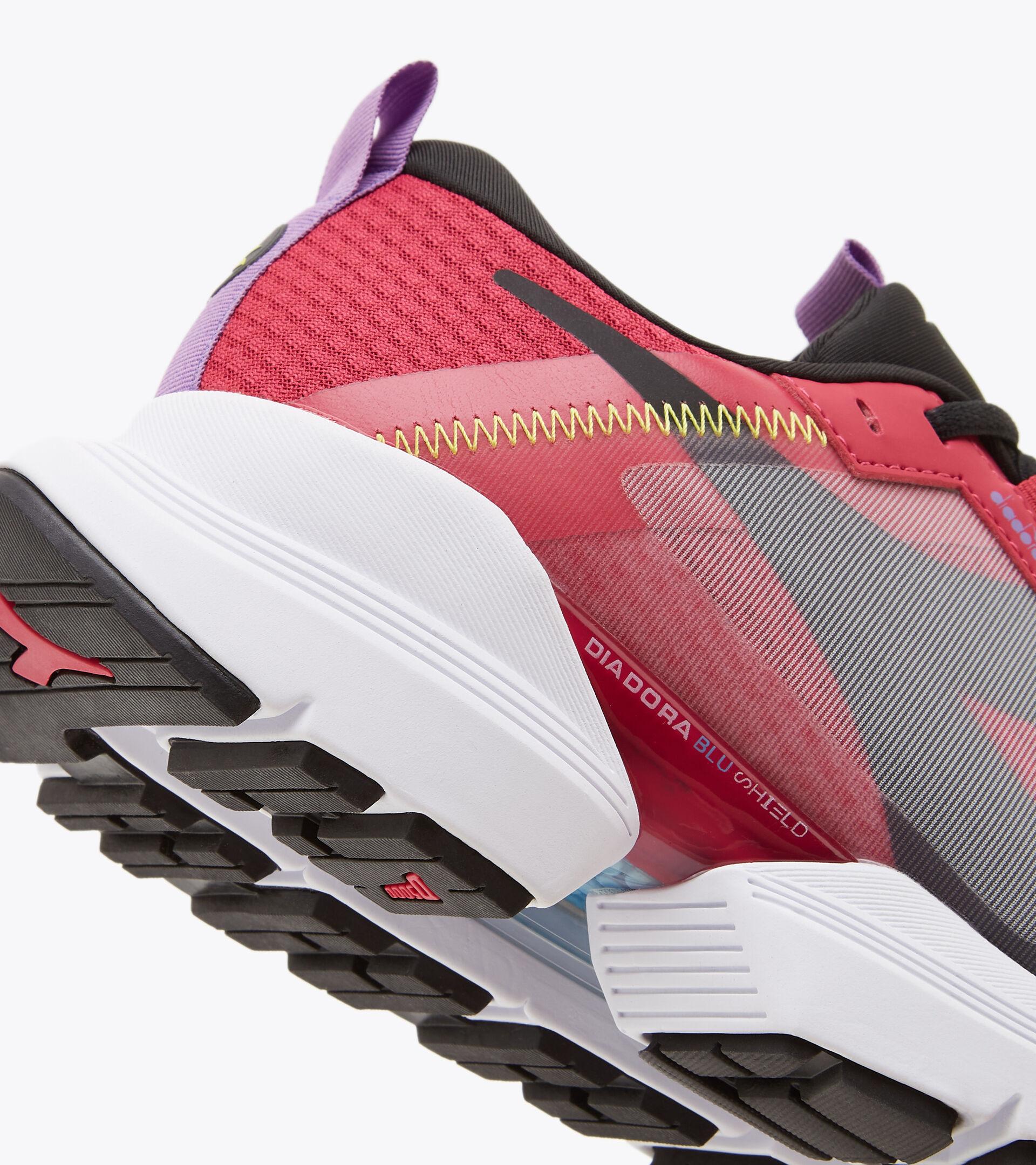 Chaussures de running - Femme MYTHOS BLUSHIELD ELITE TRX 2 W ROSE VOYANT/NOIR/VIOLET CAMPAN - Diadora