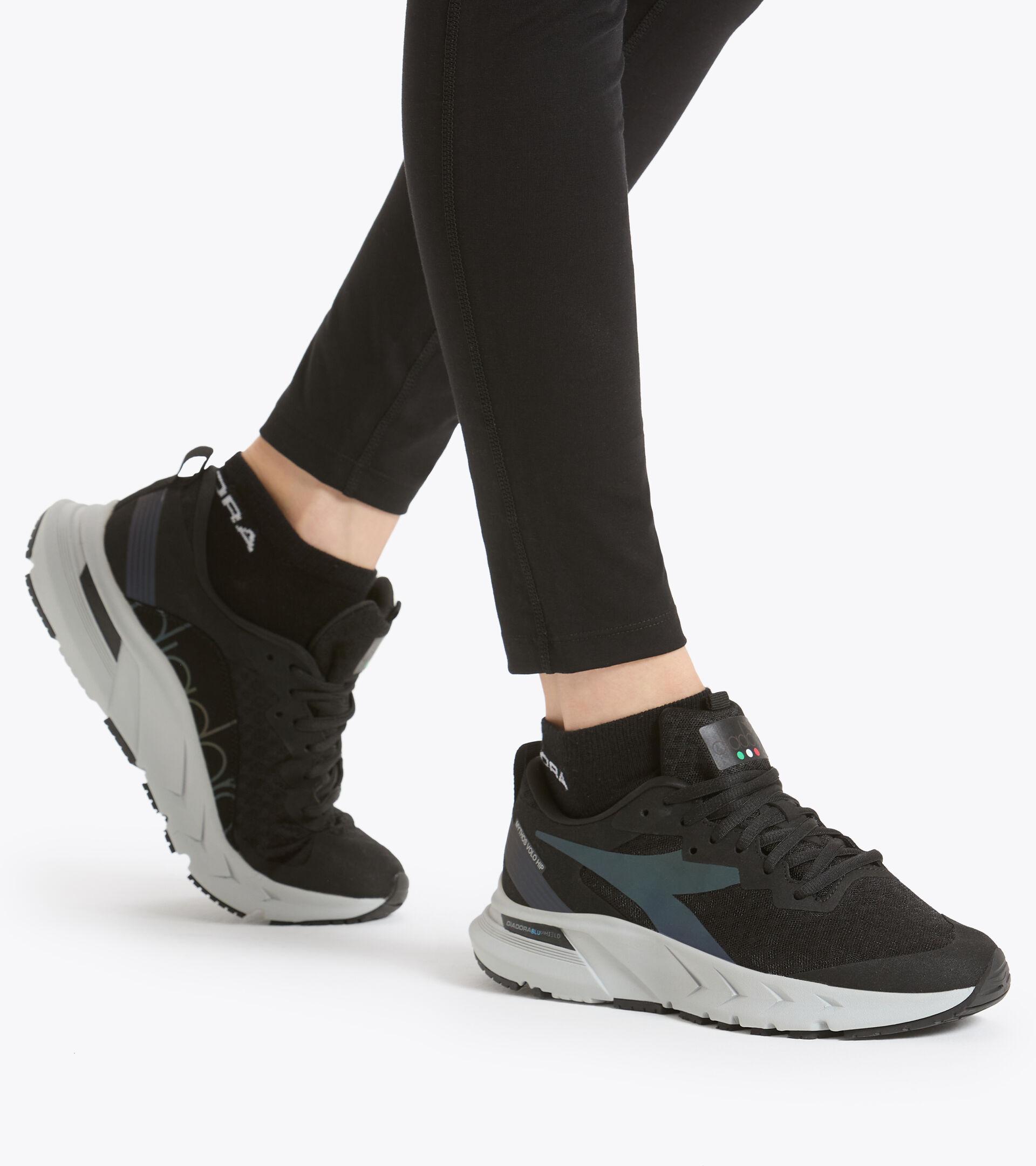 Footwear Sport DONNA MYTHOS BLUSHIELD VOLO HIP W NERO/ARGENTO Diadora