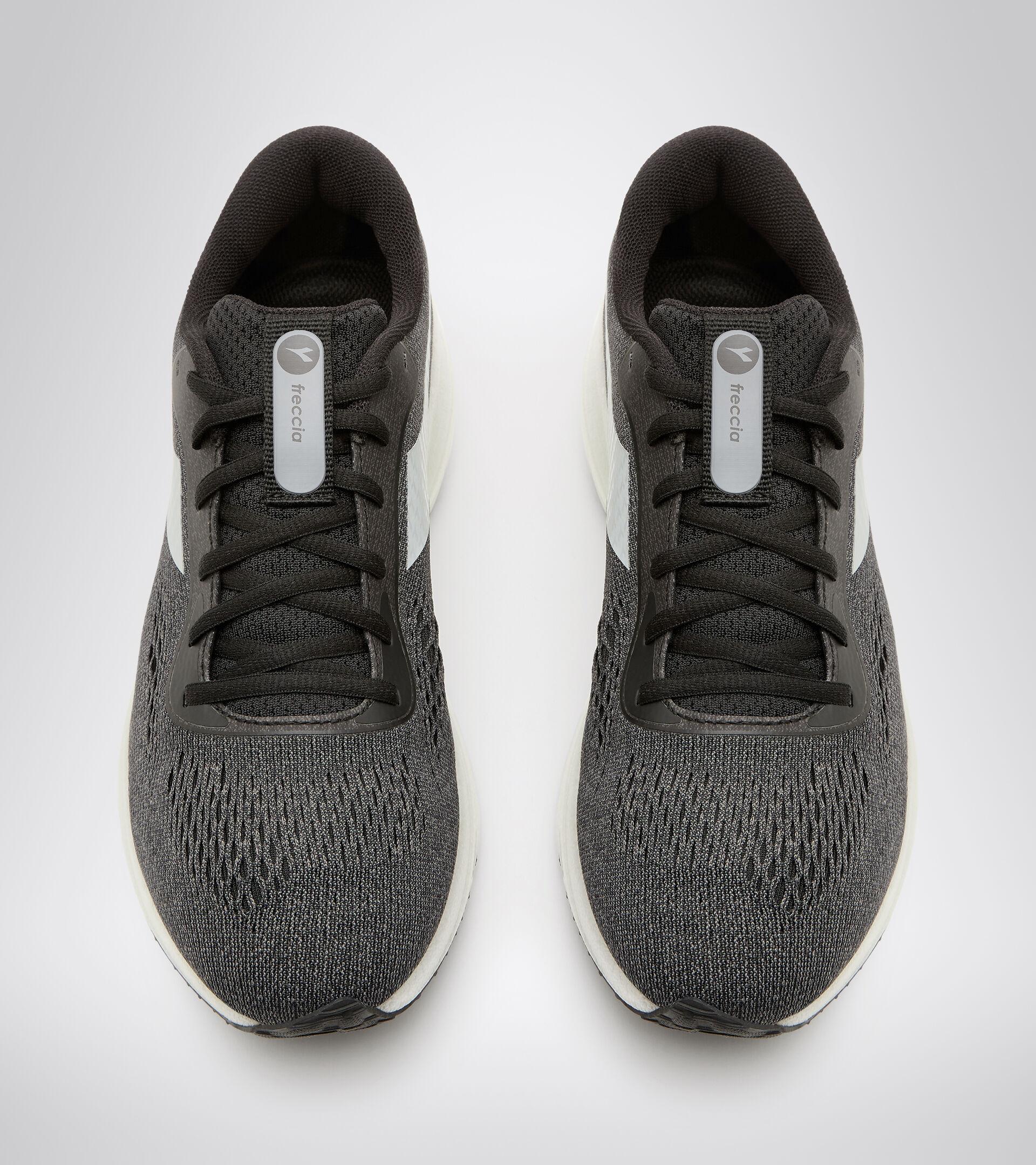 Footwear Sport UOMO FRECCIA BLACK/STEEL GRAY/WHITE Diadora