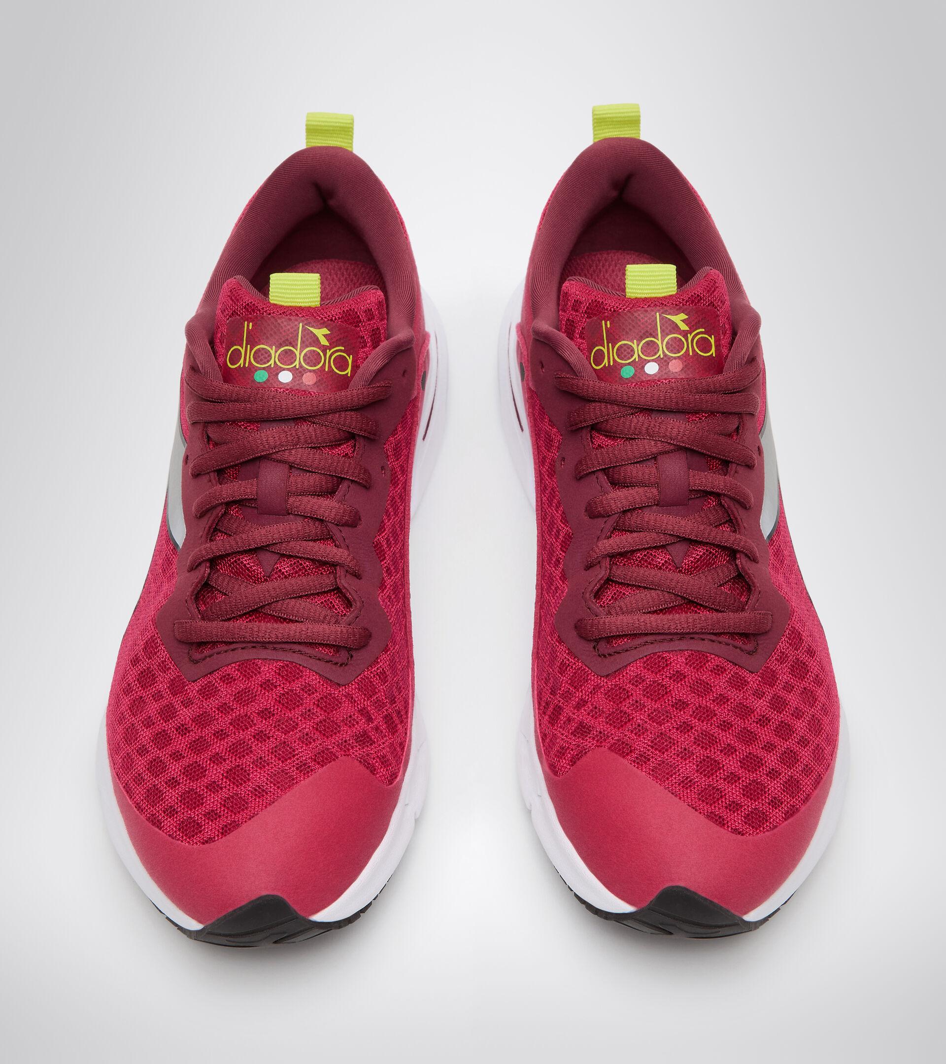 Footwear Sport DONNA MYTHOS BLUSHIELD VOLO W ROSADO LLAMATIVO/BLCO/PLATA DD Diadora