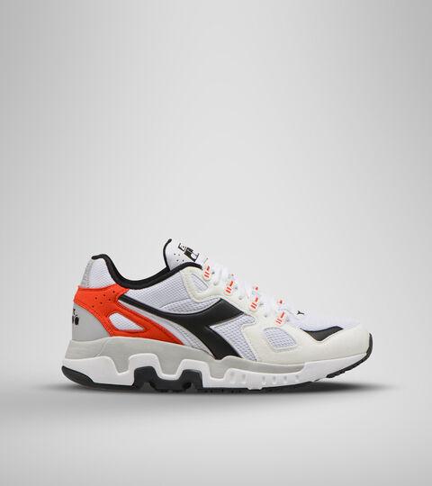 Footwear Sportswear UOMO MYTHOS SUEDE BLANCO/NEGRO/ROJO FIESTA Diadora