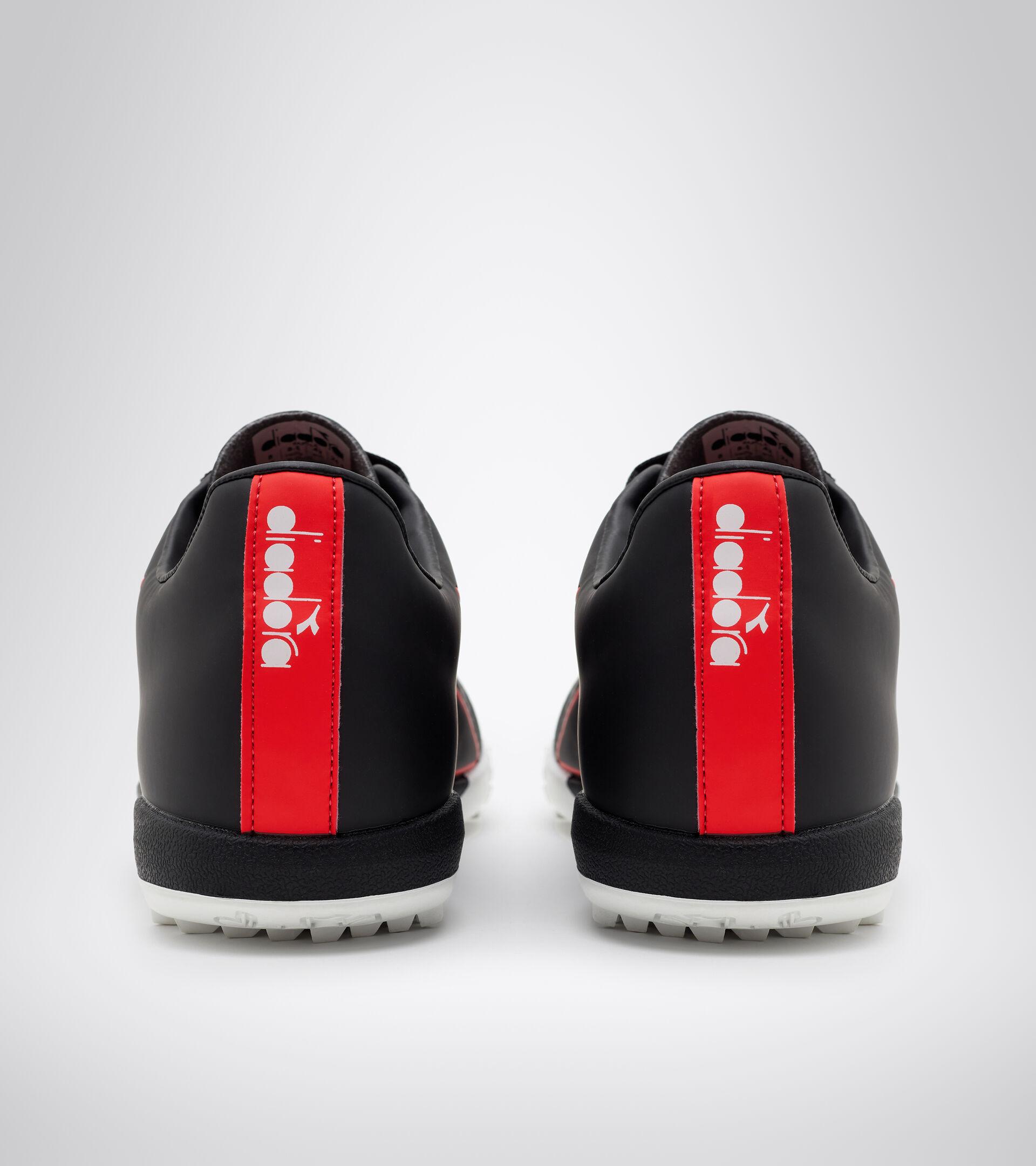 Footwear Sport UOMO PICHICHI 4 TFR BLACK/FLUO RED/WHITE Diadora