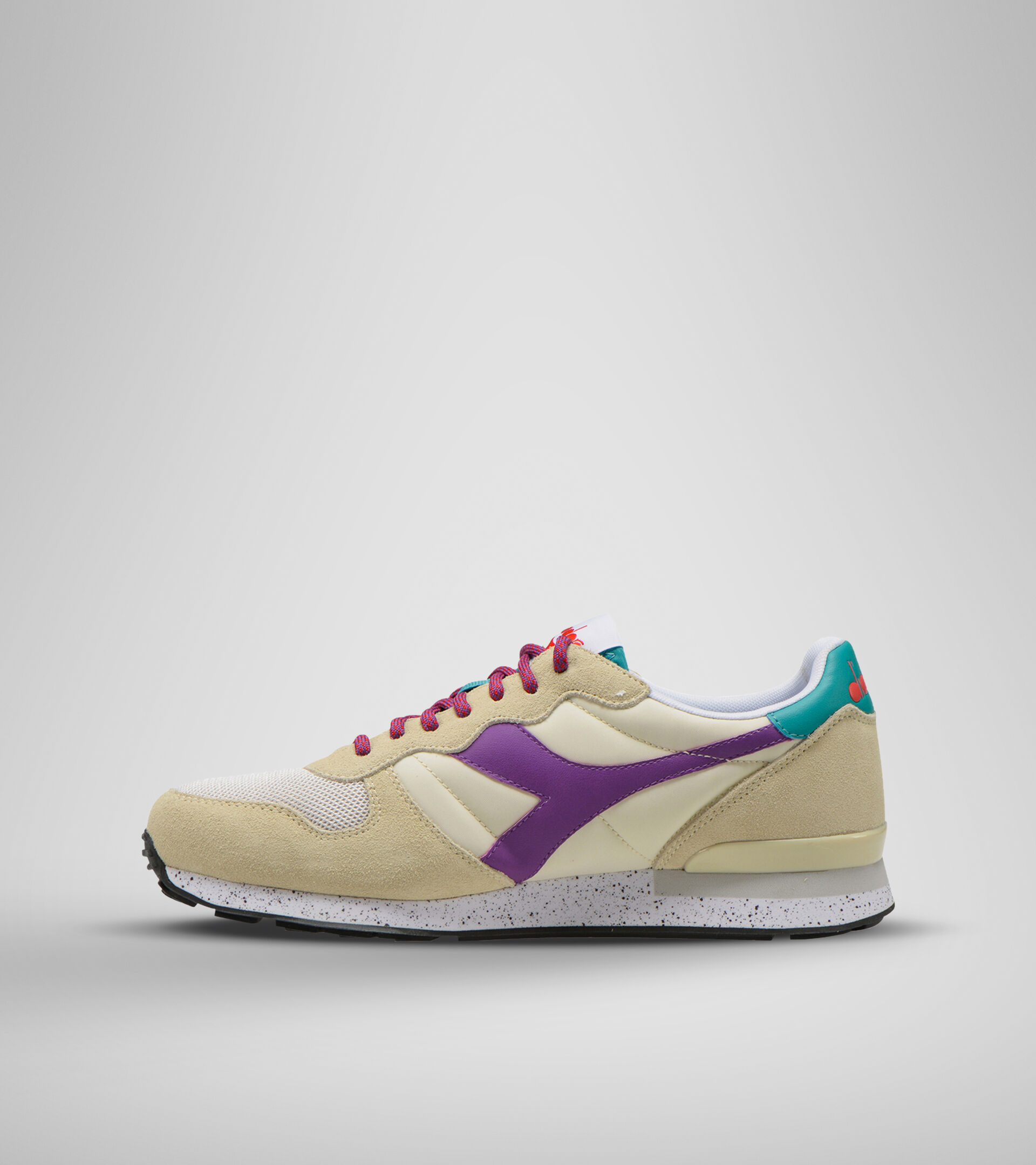 Footwear Sportswear UNISEX CAMARO OUTDOOR BEIGE OYSTER (25036) Diadora