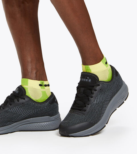Sports shoes - Men PASSO BLACK/STEEL GRAY - Diadora