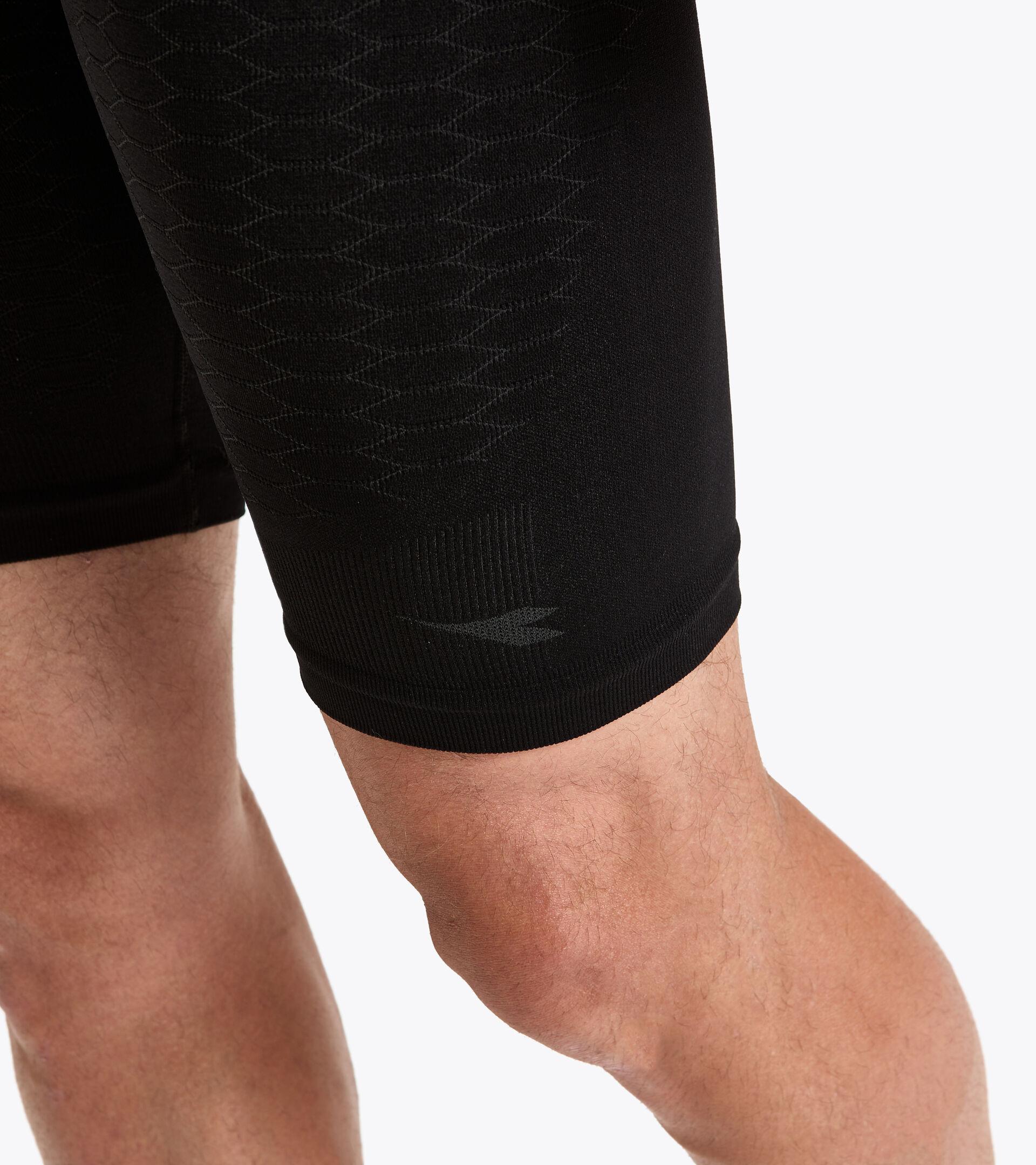 Training Bermuda shorts - Men  BERMUDA ACT BLACK - Diadora