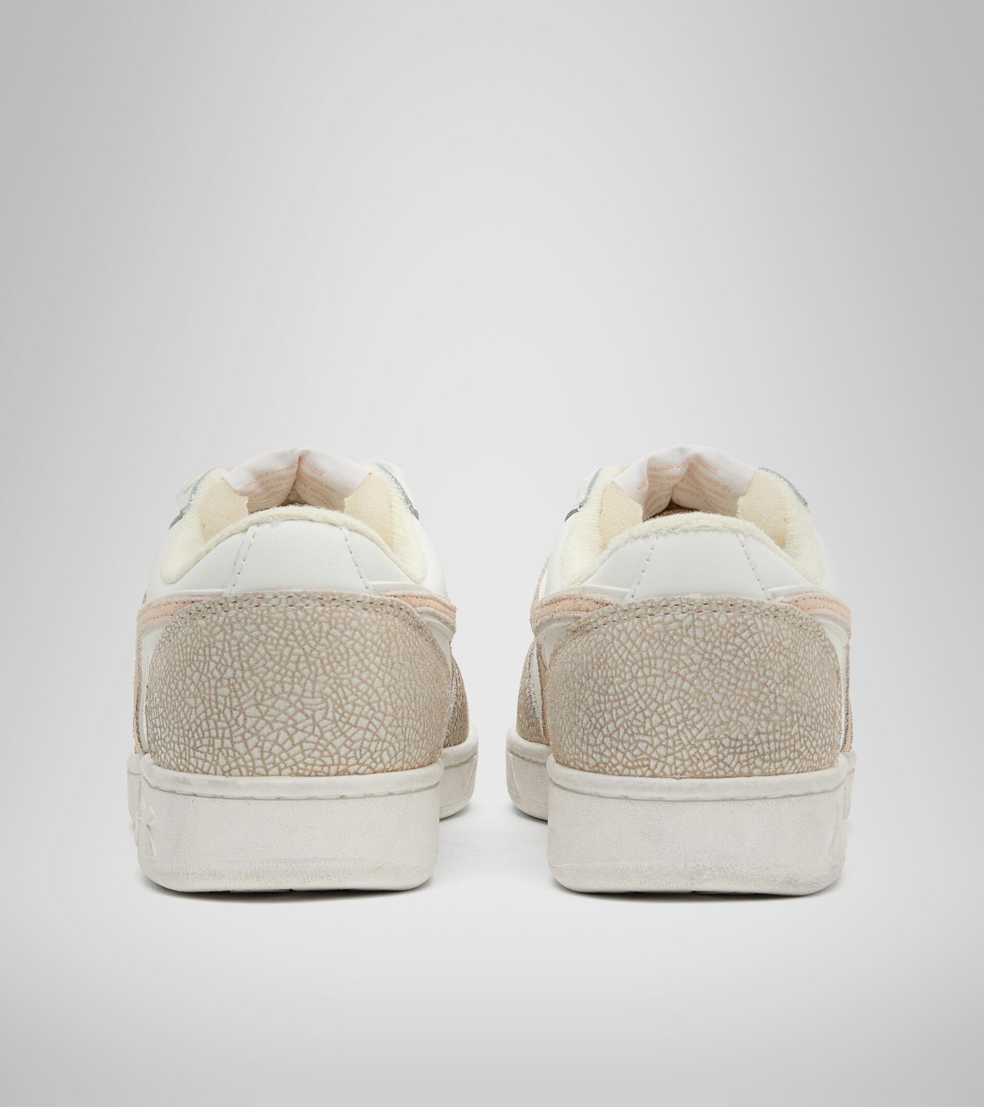 Footwear Sportswear DONNA MAGIC BASKET LOW ICONA WN WHITE/PASTEL ROSE TAN Diadora