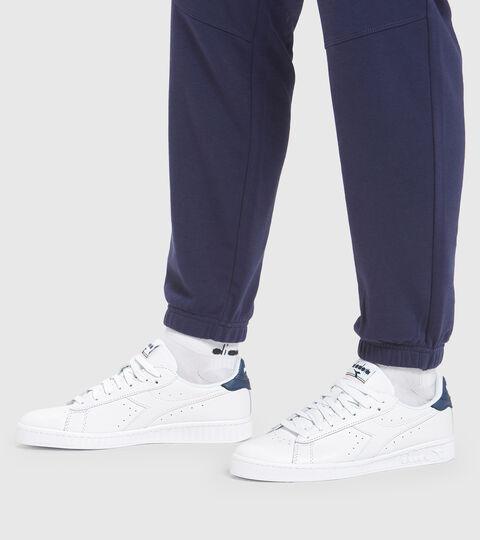 Sports shoe - Unisex GAME L LOW OPTICAL WHITE/BLUE DARK DENIM - Diadora