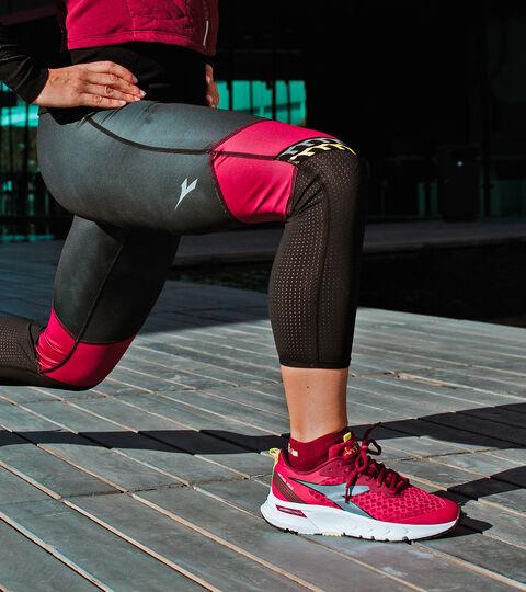 Footwear Sport DONNA MYTHOS BLUSHIELD VOLO W JAZZY/WHITE/SILVER DD Diadora