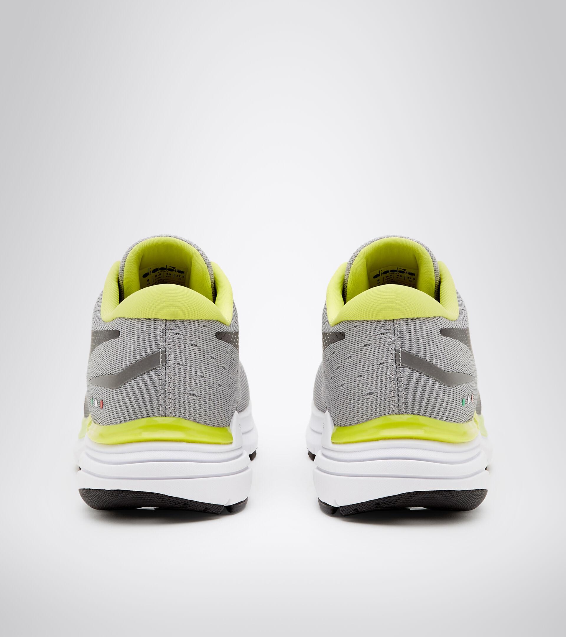 Footwear Sport UOMO MYTHOS BLUSHIELD 6 GRIGIO LEGA/GR ACCIAIO/NERO Diadora