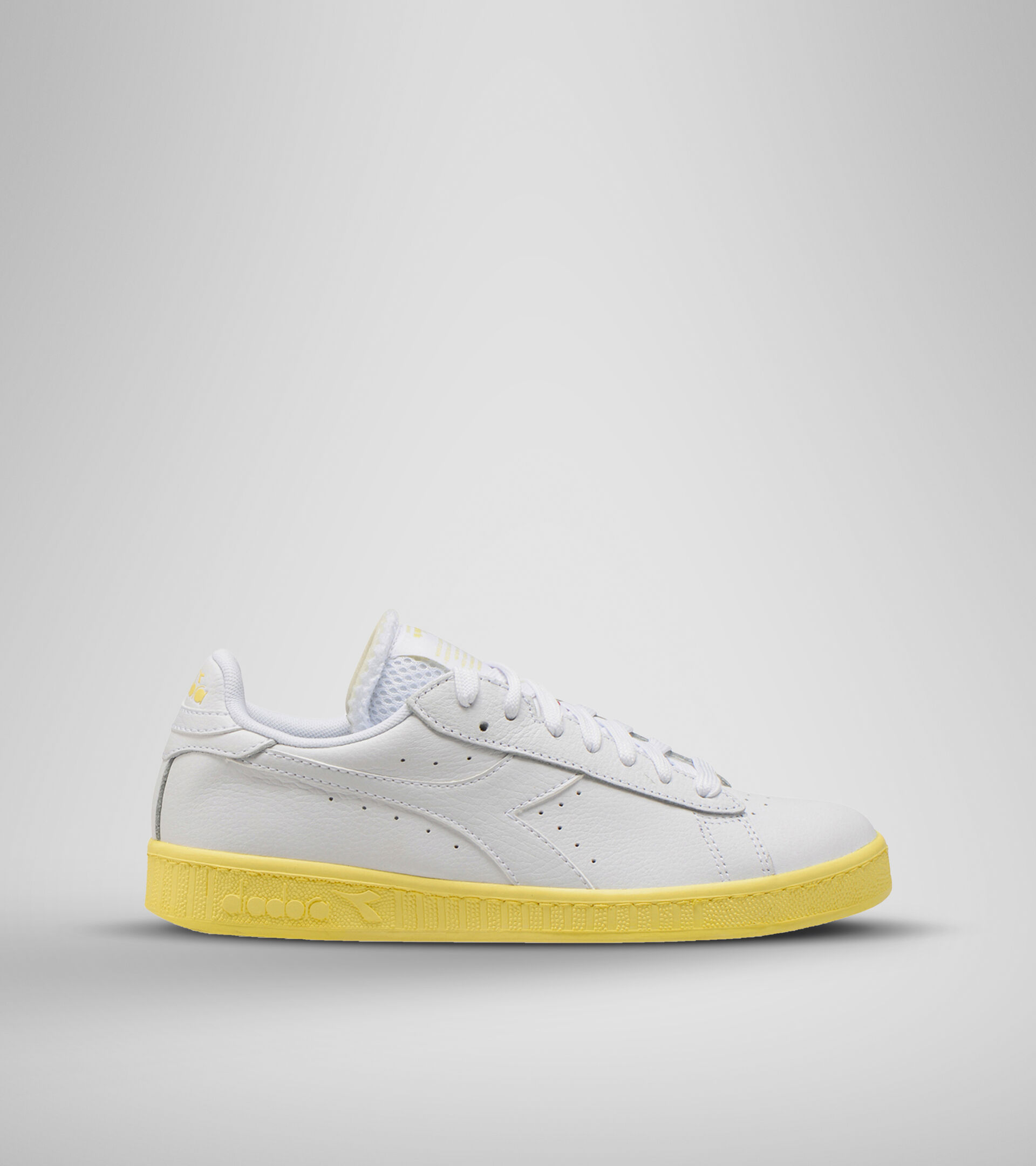 Footwear Sportswear DONNA GAME L LOW SOLE BLOCK WN WHITE/POPCORN Diadora