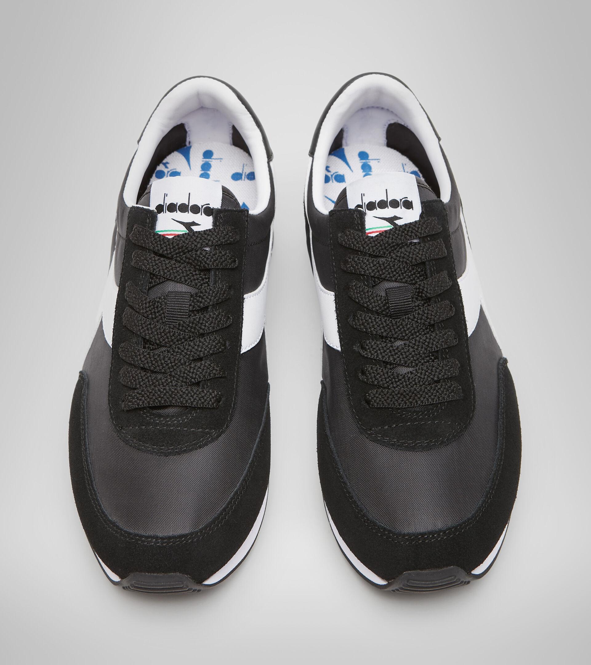 Footwear Sportswear UNISEX KOALA BLACK /WHITE Diadora