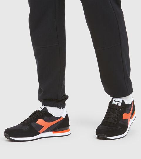 Footwear Sportswear UNISEX CAMARO NERO/ROSSO GIGLIO TIGRATO Diadora