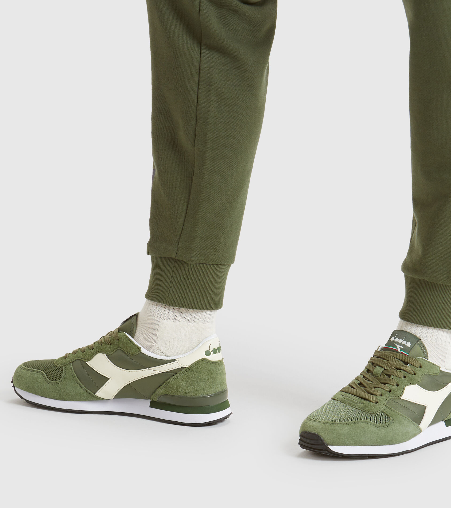 Footwear Sportswear UNISEX CAMARO VERDE OLIVINO/BLANCO SUSPIRO Diadora
