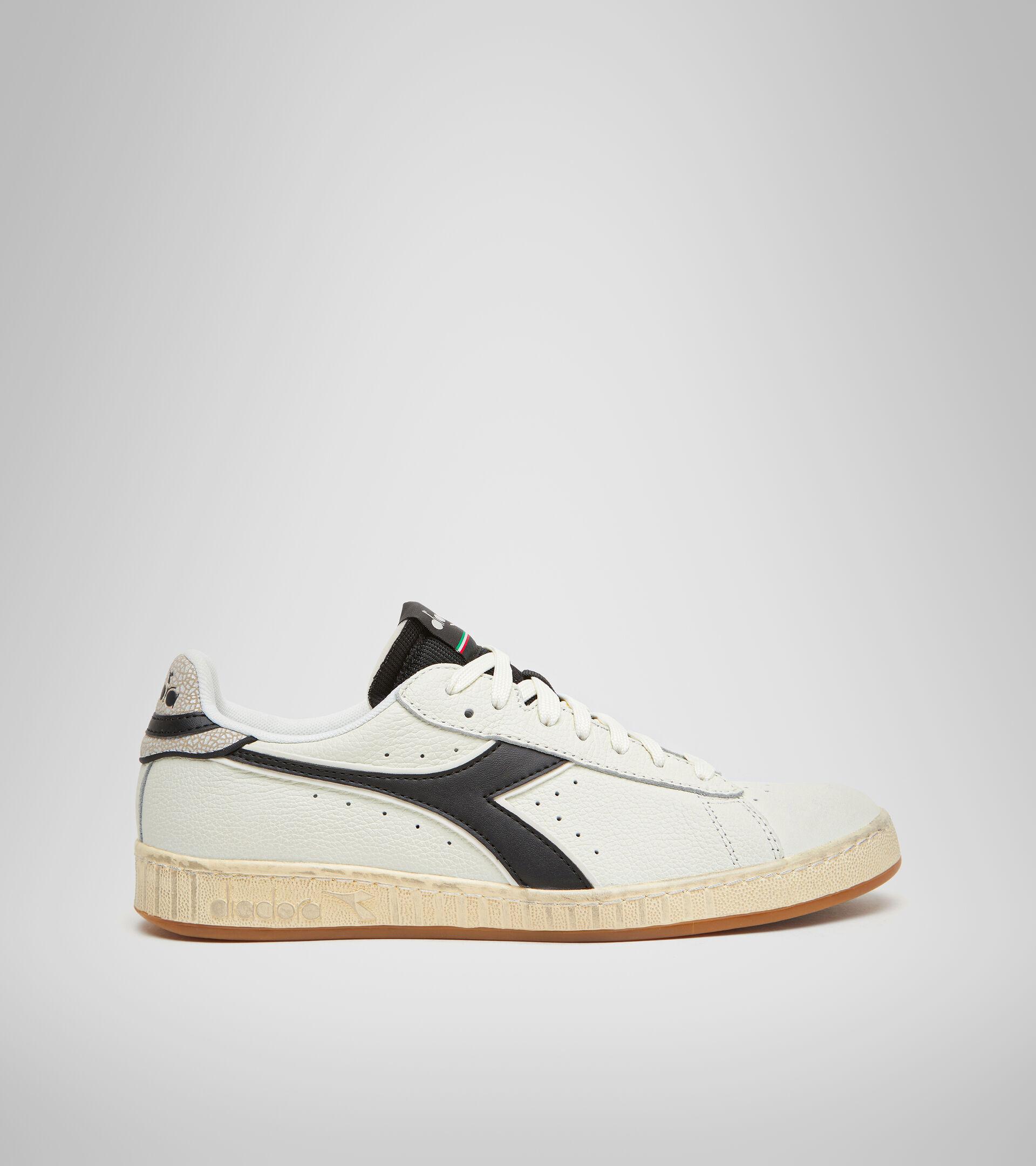 Footwear Sportswear UNISEX GAME L LOW ICONA WHITE/BLACK Diadora