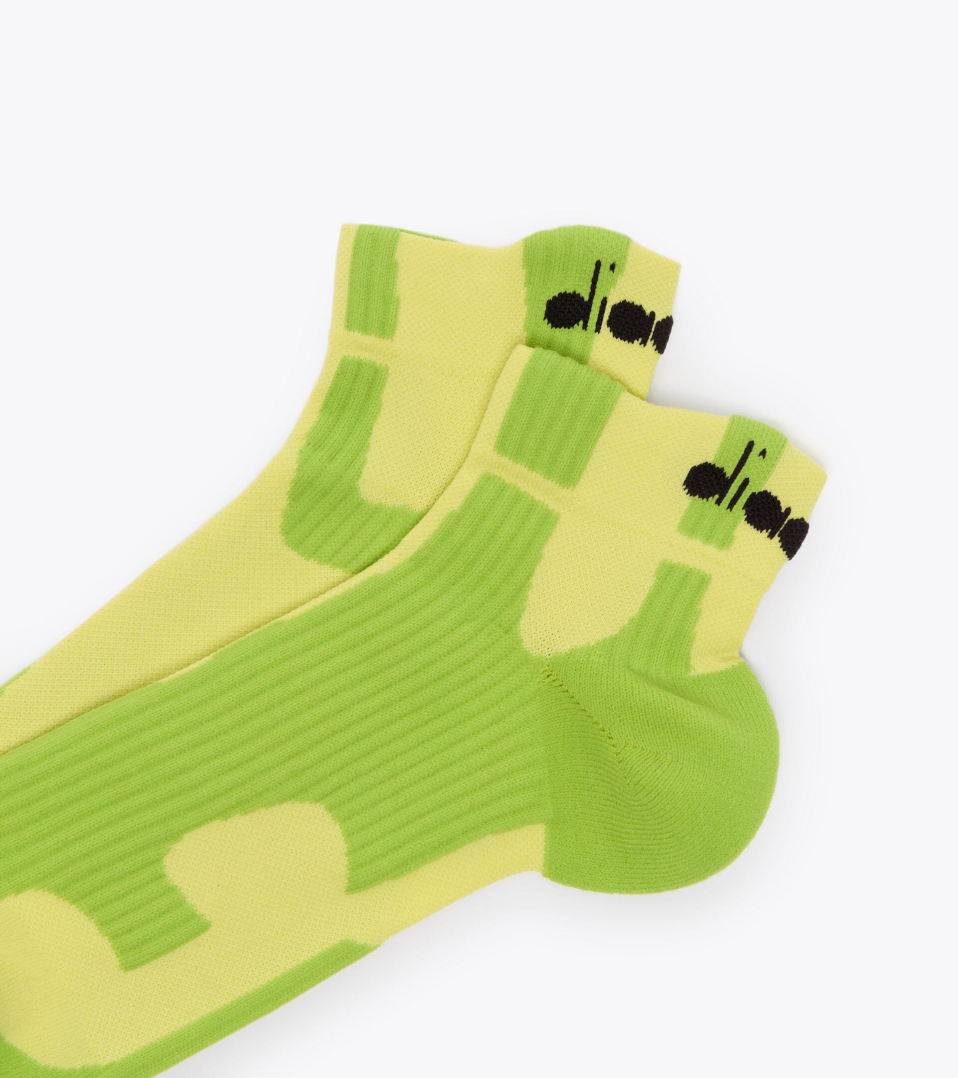 Accessories Sport UNISEX CUSHION QUARTER SOCKS LIME GREEN Diadora