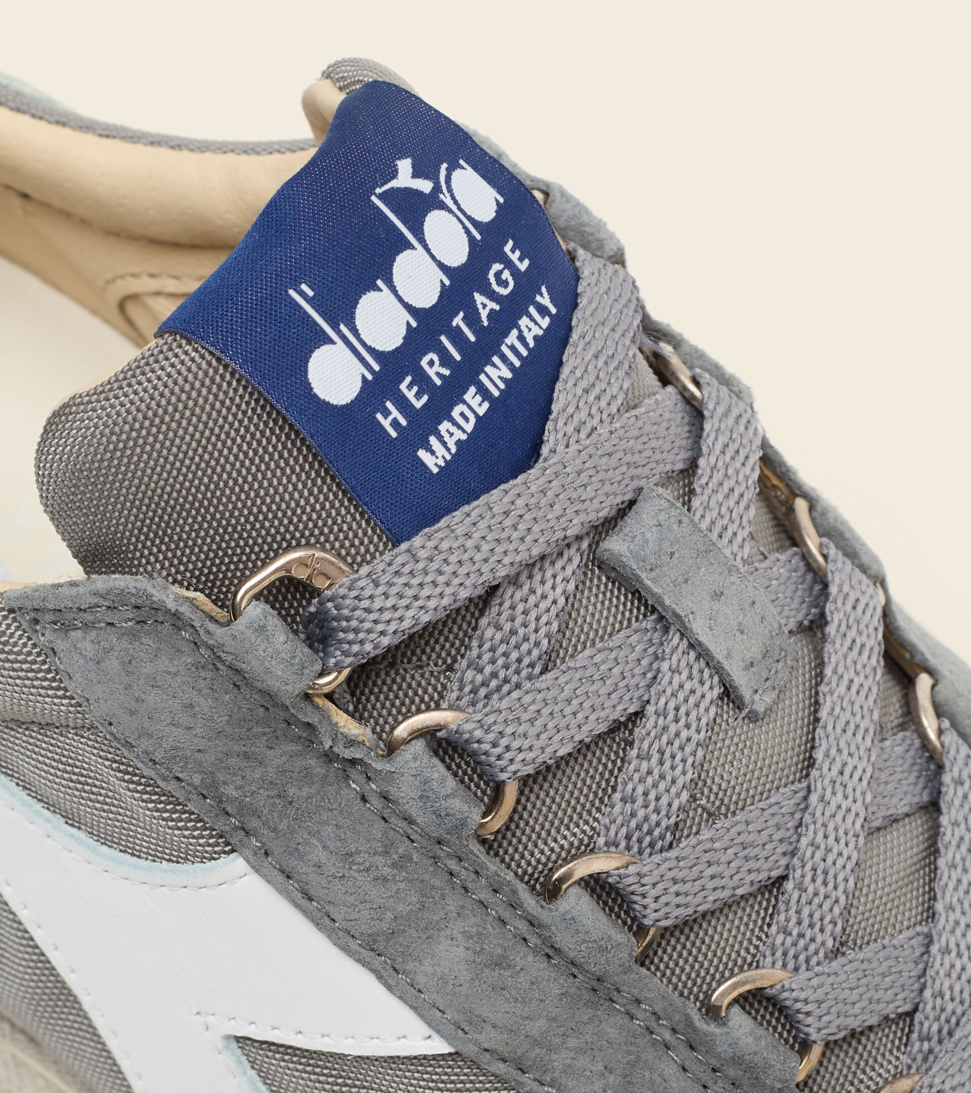 Heritage-Schuh Made in Italy - Unisex EQUIPE MAD ITALIA NUBUCK SW FARBLOSGRAU - Diadora