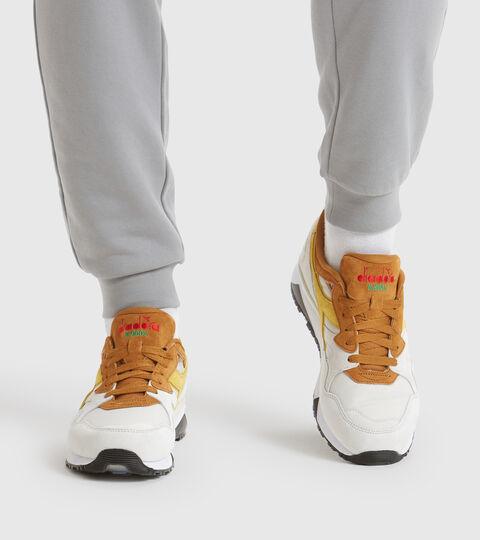 Footwear Sportswear UOMO N9002 OVERLAND BIANCO/MARRON DORATO Diadora