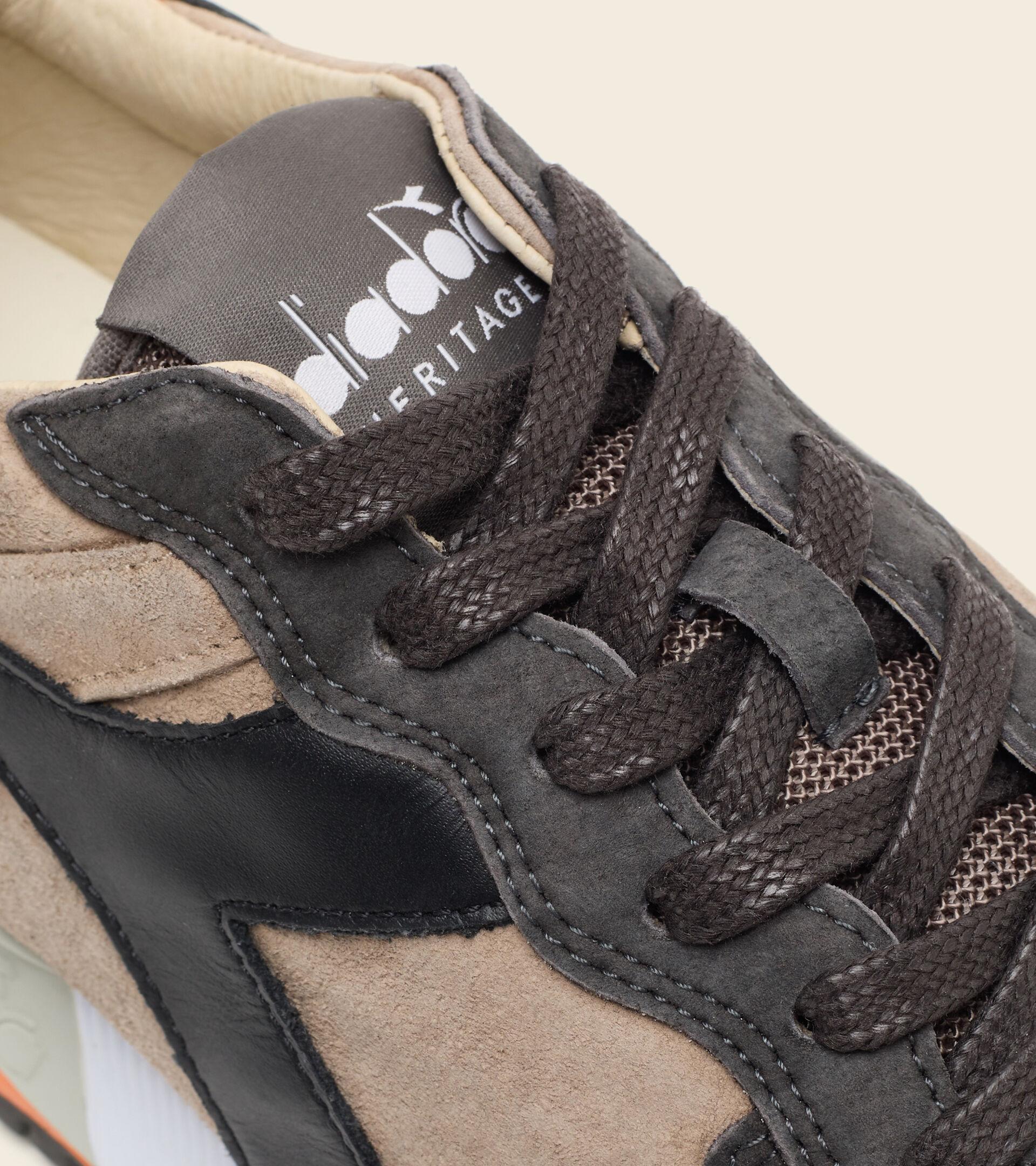 Zapatilla Heritage Made in Italy - Hombre TRIDENT 90 SUEDE SW PLATA VISON - Diadora