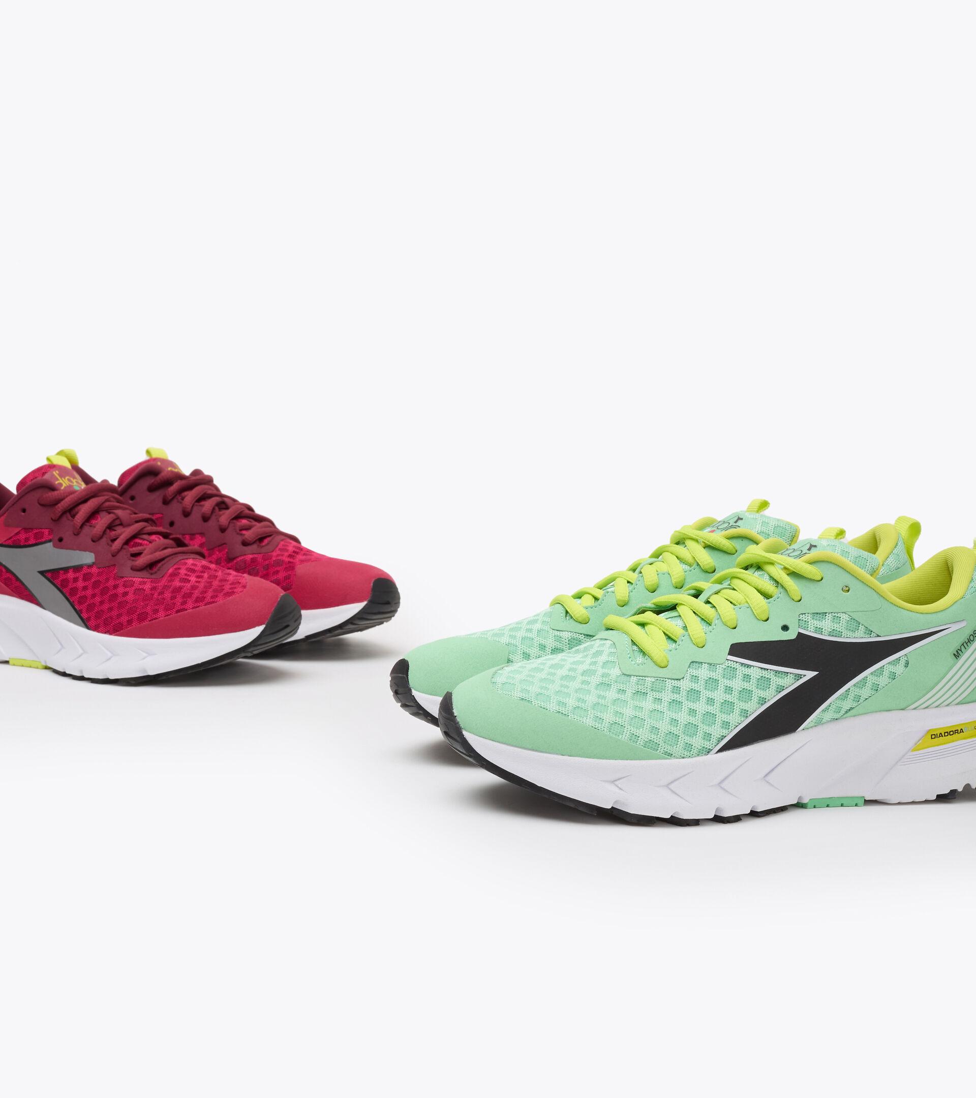 Footwear Sport DONNA MYTHOS BLUSHIELD VOLO W GREEN ASH/BLACK/SULPHUR SPRING Diadora