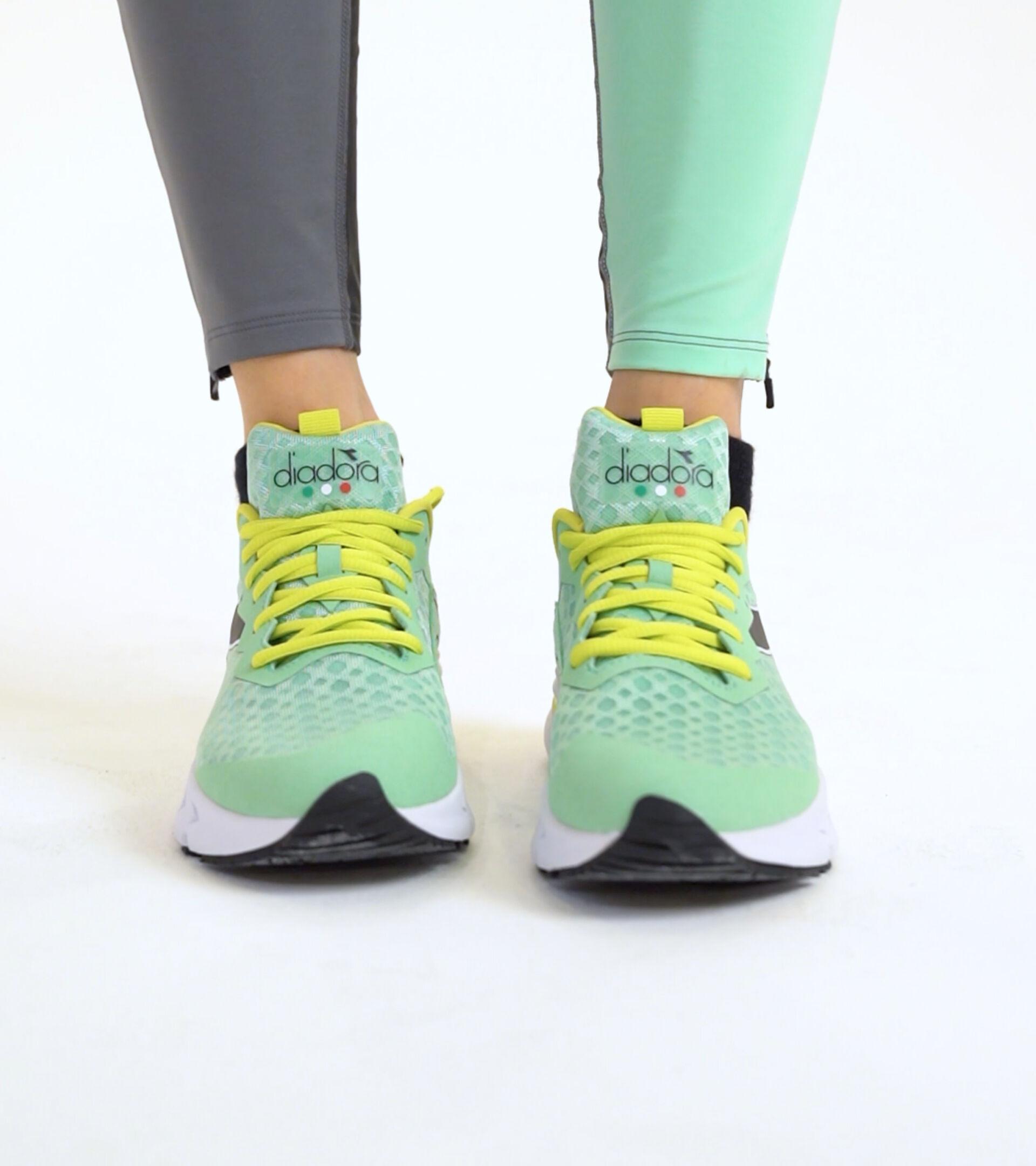 Running shoe - Women MYTHOS BLUSHIELD VOLO W GREEN ASH/BLACK/SULPHUR SPRING - Diadora