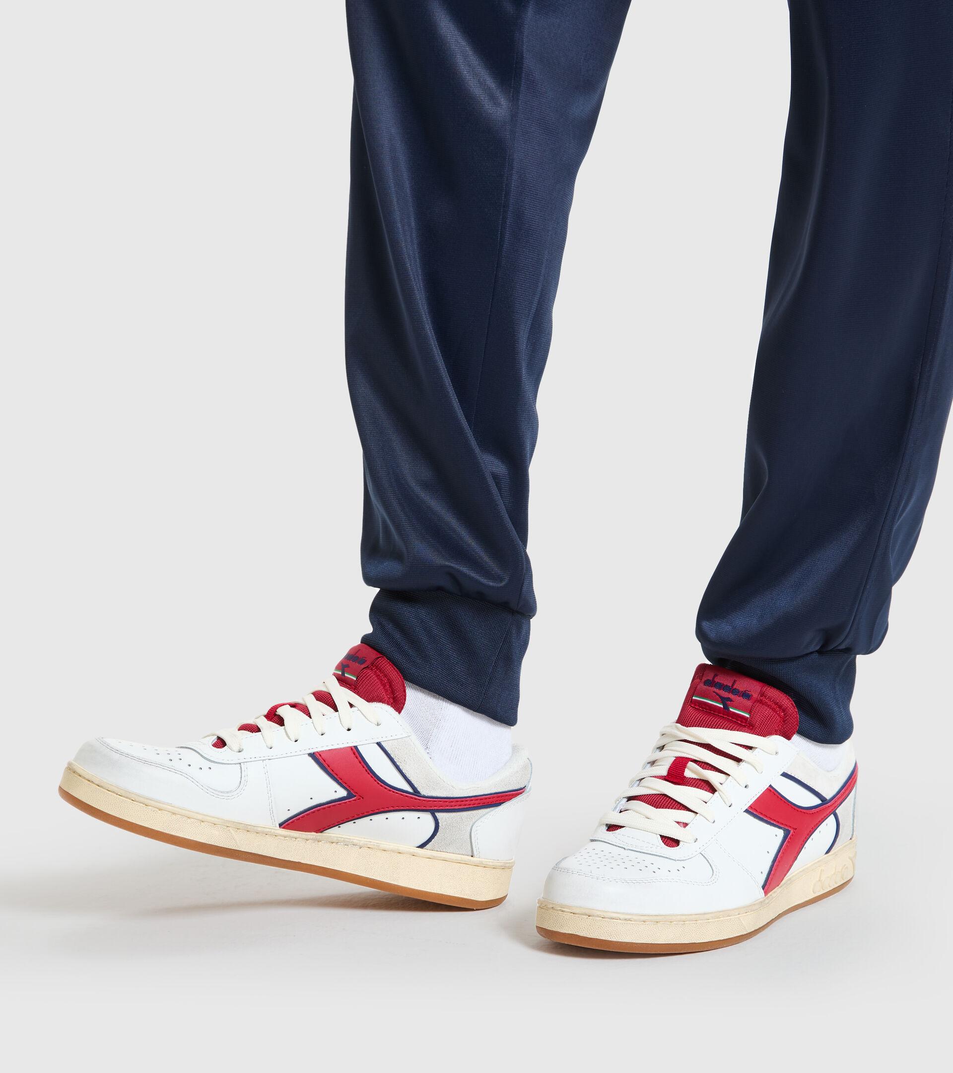 Zapatillas deportivas - Unisex MAGIC BASKET LOW ICONA BLANCO/NARANJA.COM - Diadora