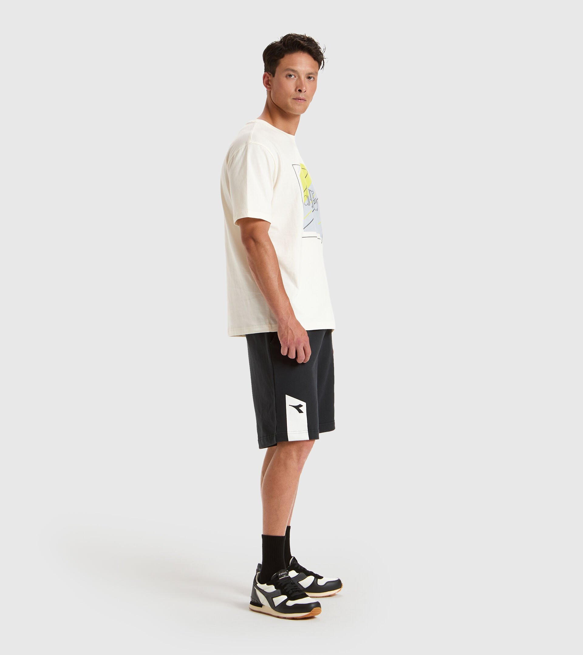 Apparel Sportswear UOMO T-SHIRT SS 5PALLLE URBANITY WHITE Diadora