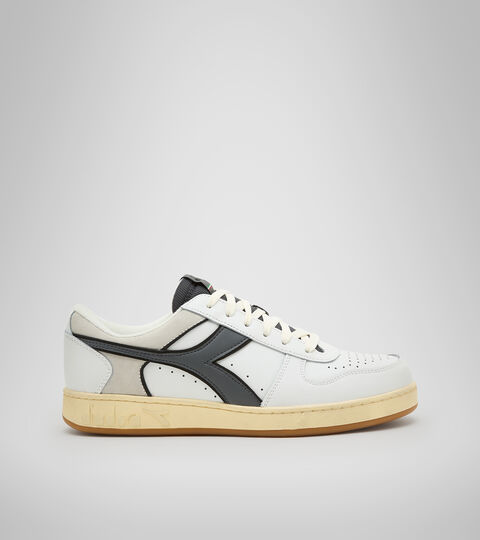 Footwear Sportswear UNISEX MAGIC BASKET LOW ICONA BIANCO/GRIGIO ACCIAIO Diadora