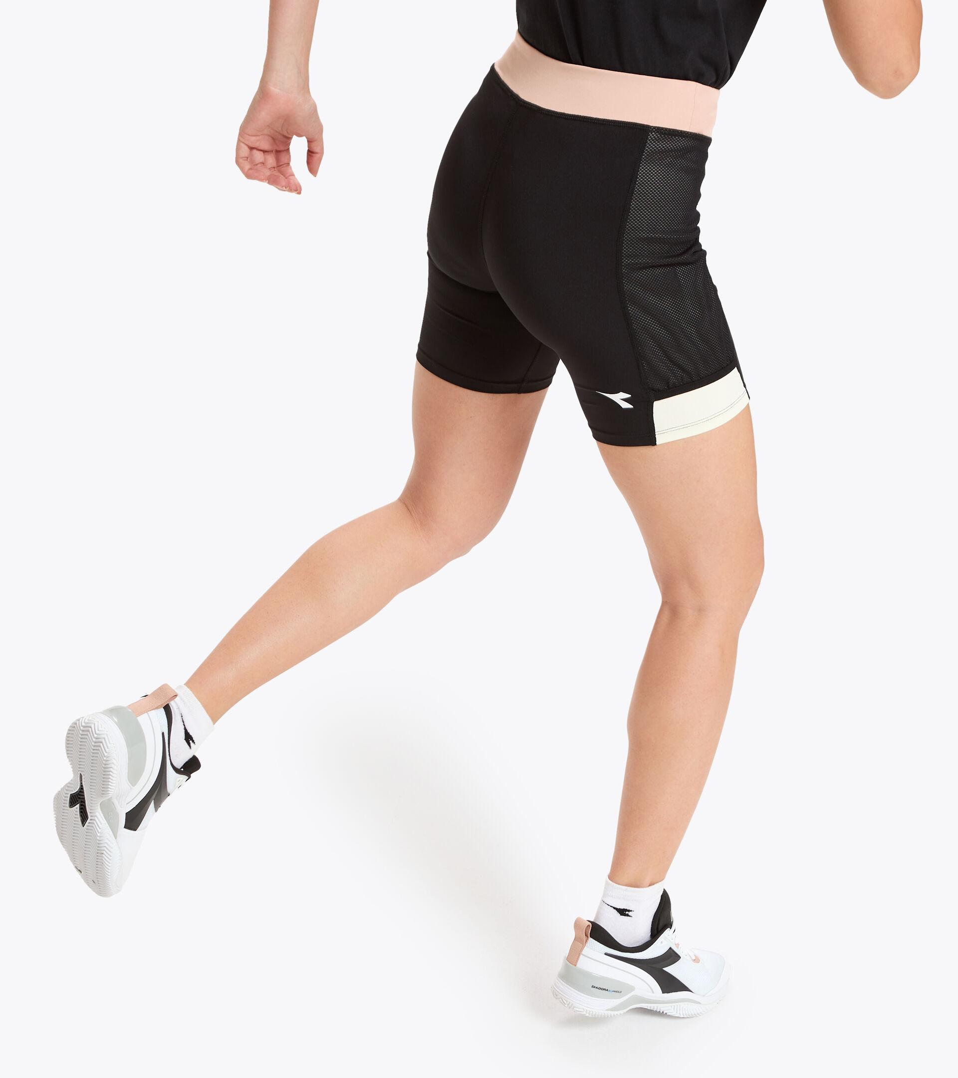 Apparel Sport DONNA L. SHORT TIGHTS POCKET NEGRO/ROSA CAOBA Diadora