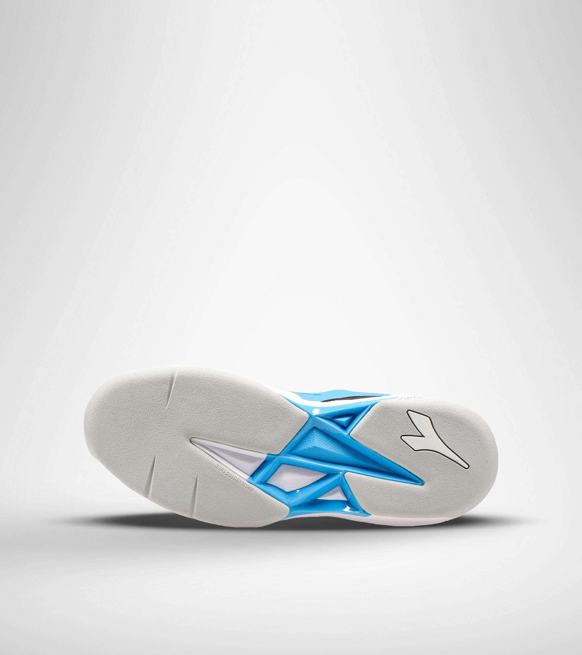 Footwear Sport UNISEX S.CHALLENGE 3 CARPET BIANCO/BLU FLUO Diadora