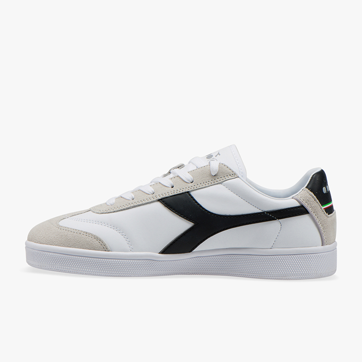 KICK P, WHITE /BLACK, large